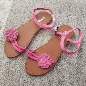 Old Navy Pink Sandals Girls New Size 2
